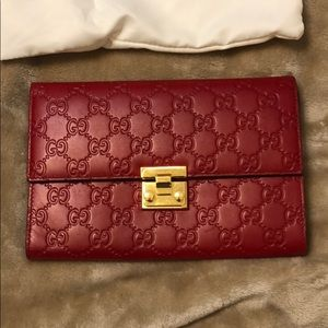 43203595075 Gucci Bags | Red Clutchwallet | Poshmark